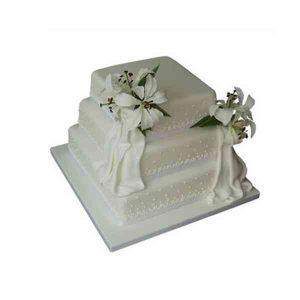 3-Tier-Vanilla-Cake