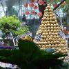 Christmas-Tree-With-Ferrero