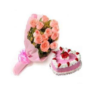 Heart-Shape-Cake-With-Pink-
