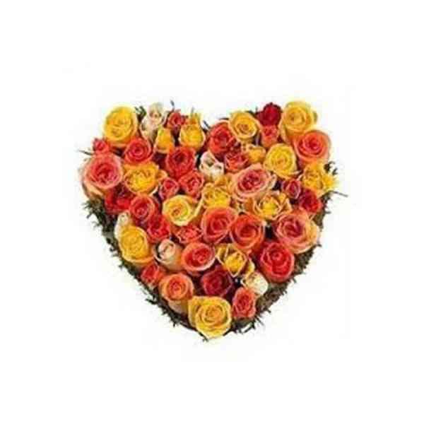 Mixed-Roses-Heart-Arrangeme