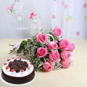 Mixed-Roses-With-Black-Fore