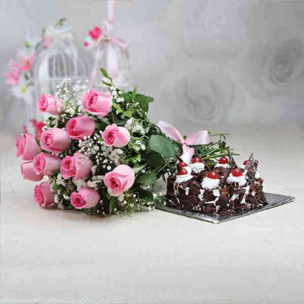 Pink-Roses-With-Black-Fores