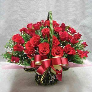 Red-Roses-Basket