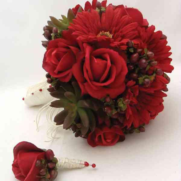 Red-Roses-Red-Gerbera