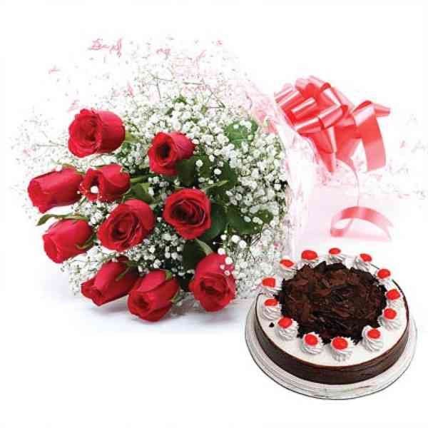 Red-Roses-With-Black-Forest