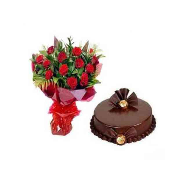 Red-Roses-With-Chocolate-Tr
