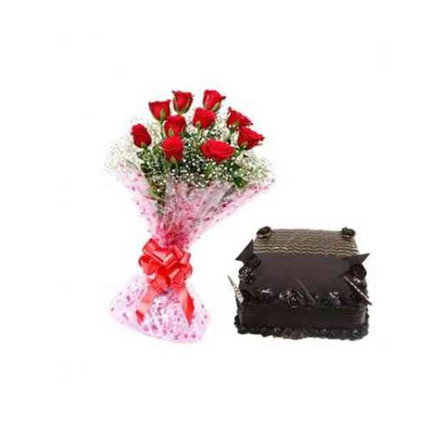 Red-Roses-With-Square-Choco