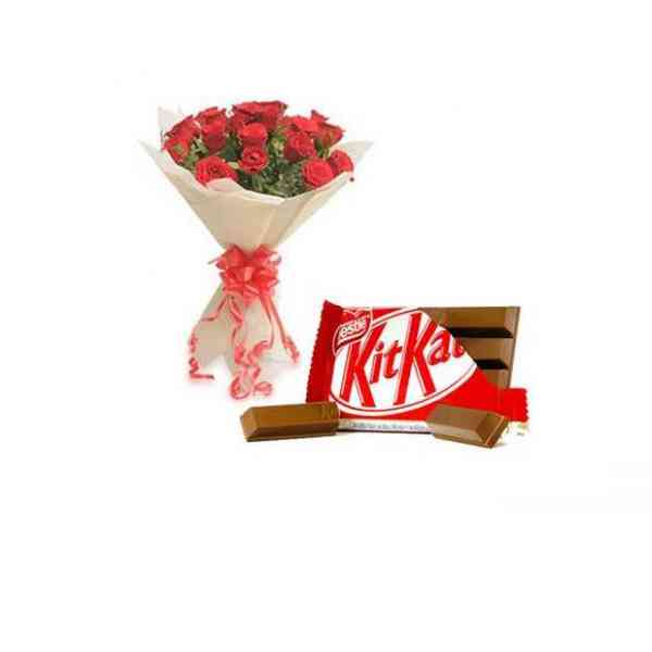 Red-Roses-with-Kitkat-