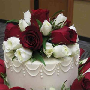 Red & White Roses With Cake