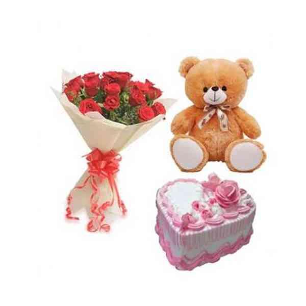 Roses-Teddy-Heart-S-Strawbe