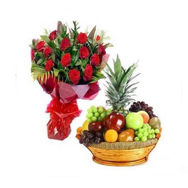 Roses-With-Fresh-Fruits