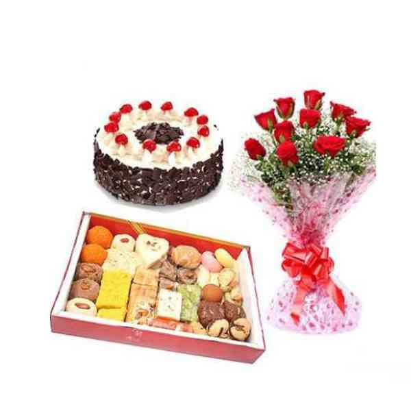 Sweets,-Cake-With-Roses