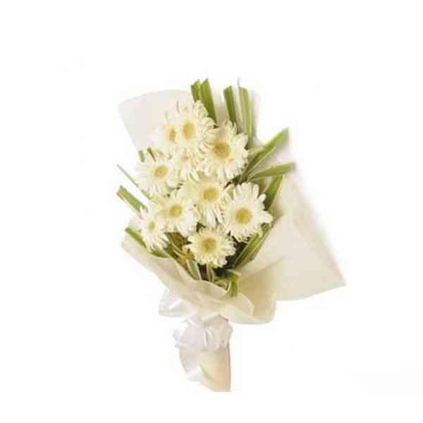 White-Gerbera-Bouquet