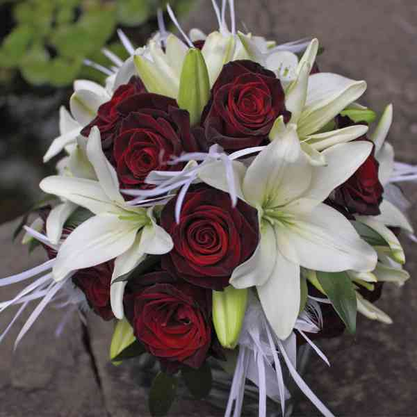 White-Lilies-&-Red-Roses