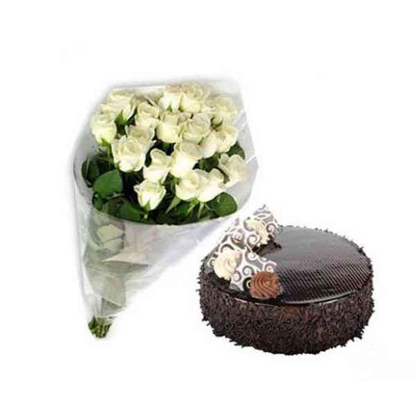 White-Roses-With-Chocolate-