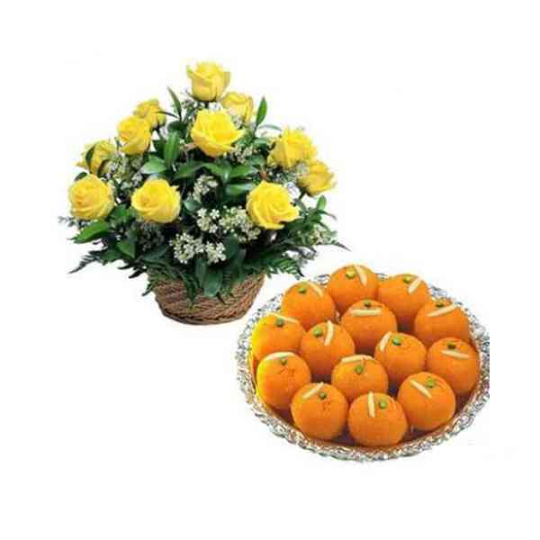 Yellow-Roses-Basket-With-La