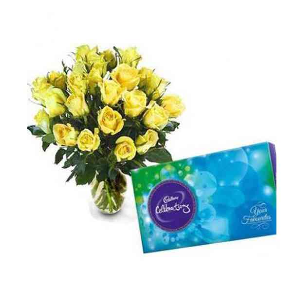 Yellow-Roses-Vase-With-Cadb