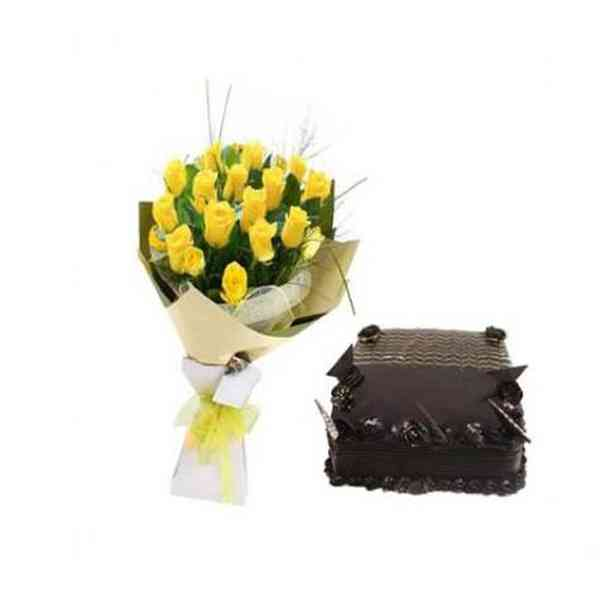 Yellow-Roses-With-Chocolate